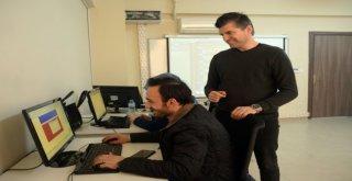 Web Tasarımını Osmekte Öğreniyorlar
