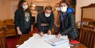 Depremzede çifte ,büyük annesinin evini açtı