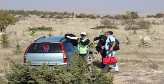 Bebeğini Hastaneye Götürürken Şarampole Yuvarlandılar: 3 Yaralı
