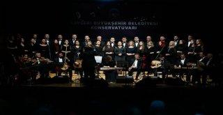 Kayseride Yıl Sonu Konserine Başkan Çelik De Katıldı