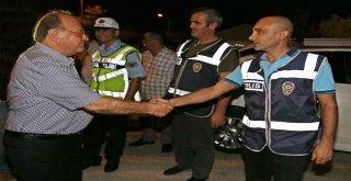 Başkan Özakcandan Güvenlik Güçlerine Sürpriz Bayram Ziyareti