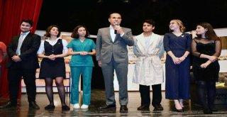 Adanada Liseli Gençler Tiyatroya Doydu