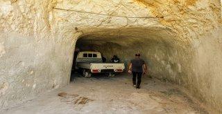 Suriyedeki Mağara Hastanede Gaz Maskeli Tedbir