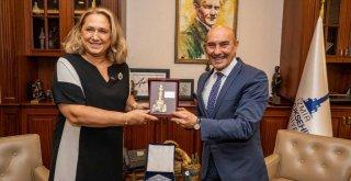 Kosova İstanbul Başkonsolosu'ndan nezaket ziyareti