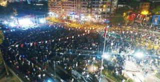 Antalyalılar Cumhuriyet Bayramını Yalınla Kutladı
