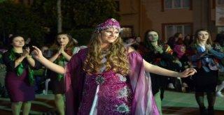 Fetih Şenliklerine Köy Kınası Coşkusu