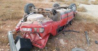 Yoldan Çıkan Araç Kayalıklara Uçtu: 3 Yaralı