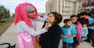 Denizlide Okullar Gençler İle Renkleniyor