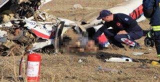 Uçak Kazasında Ölen Pilot Ve Yardımcısının Cenazeleri Adli Tıpa Gönderildi