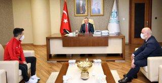 Başkan Büyükakın, 'Eray ile gurur duyuyoruz'