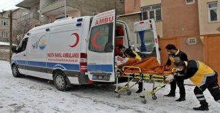 Van Büyükşehirin Hasta Nakil Hizmeti Yüzleri Güldürüyor