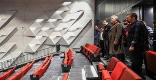 Ünlü Sanatçılardan Kongre Merkezi Yorumu: Türkiyede Eşi Benzeri Yok
