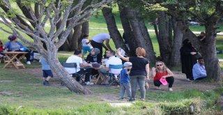 Gölcük Tabiat Parkında Hafta Sonu Yoğunluğu