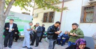 Osmaneli Belediyesi 2 Bin 500 Kişiye Aşure Dağıttı