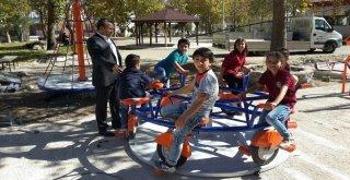 Seydişehir Belediyesi Parkları Aydınlatıyor