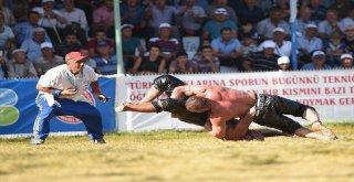 Kurtdereli Güreşlerinde Şampiyon İsmail Balaban