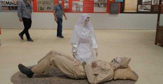 Şehitler Anıtı'na özel sergi salonu