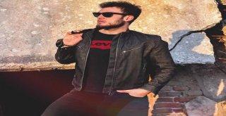 Genç Şarkıcıdan Müzik Listelerine Başarılı Giriş