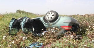Direksiyon Hakimiyeti Kaybolan Otomobil Tarlaya Uçtu: 5 Yaralı
