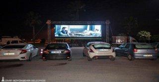 İzmirde Arabada Sinema Keyfi