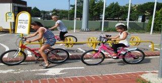 İzmit Belediyesinden 3 Ayda Bin Çocuğa Bisiklet Eğitimi