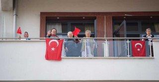 Başkan Soyer huzurevi sakinlerinin Cumhuriyet Bayramı'nı kutladı