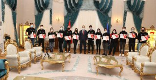 Vlogger akademide sertifika heyecanı
