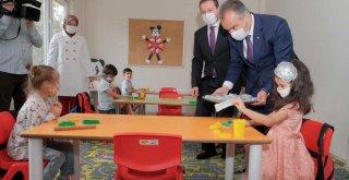 Bursa'da eğitim tatlı başladı