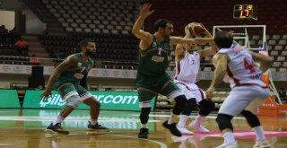 Tahincioğlu Basketbol Süper Ligi: Gaziantep Basketbol: 73 - Banvit: 69