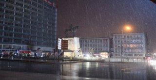 Ankaranın Akşamları Işıl Işıl