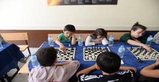 Büyükşehir Satranç Turnuvasına Yoğun İlgi