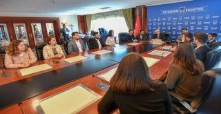 Başkan Yavaşa, Hukuk Fakültesi Öğrencilerinden Ziyaret
