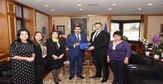 Azerbaycan Parlamentosu Milletvekili Cebrailovadan Rektör Prof. Dr. Çomaklıya Ziyaret