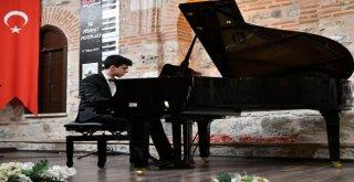 Osmangazide Piyano Festivali