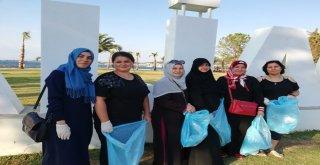 Ak Partili Kadınlardan Çöp Toplama Etkinliği