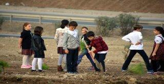 Aliağada Minikler Cumhuriyetin 95. Yılına Özel Fidan Dikti