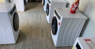 Depremzedeler için 4 noktada çamaşırhane kuruldu