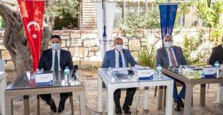 Başkan Soyer Aliağa'da muhtarları dinledi