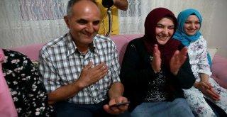 Sevgi Eli, 13 Yılda 100 Binden Fazla Kişinin Yüzünü Güldürdü