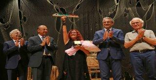Karşıyakanın İlk 'Edebiyat Ödülü Sahibini Buldu