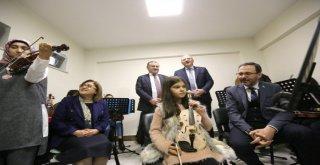 Bakan Kasapoğlu; Gaziantep Sporun Başkenti Olacak