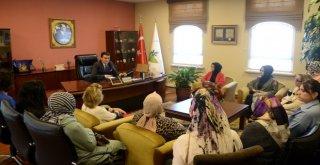 Ak Parti Osmangazi Kadın Kollarından Başkan Dündara Ziyaret