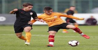 Galatasaray, U21 Takımı İle Hazırlık Maçı Yaptı