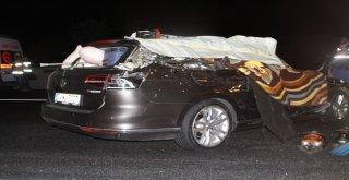 Otomobil İle Kamyon Çarpıştı: 2 Ölü, 4 Yaralı