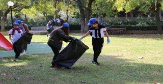 Gençler Büyükşehirle El Ele Temizlik Yaptı