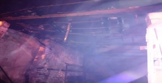 Nazillideki Yangında Bir Ev Kül Oldu