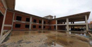 İnegölspor'a modern tesis