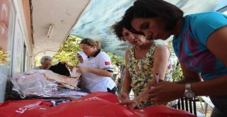 Ayvalıkta 'Şefkatli Eller İhtiyaç Sahibi Çocukların Bayramlıkları İçin Birleşti