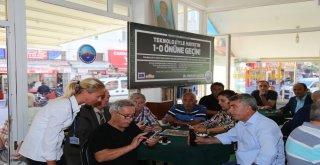 Büyükçekmece Belediyesi, Kıraathanelerde Akıllı Telefon Eğitimi Veriyor