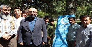Parkta Yatan 17 Afgan Aileye Devlet Sahip Çıktı
